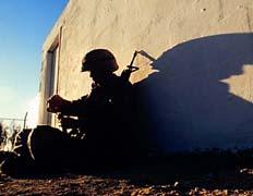 Американский солдат не спит в Саудовской Аравии (фото Tampa Tribune).