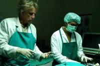 Врач-еврей вырезает у мусульман органы для трансплантации. Это