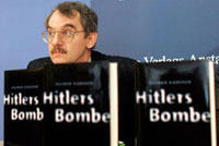 Ученый из Берлина Райнер Карлш написал сенсационную книгу