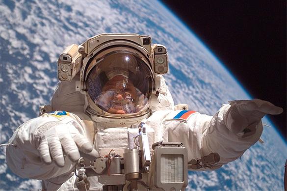 Космонавты МКС получат новый скафандр к 2017 году