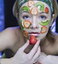 Какая косметика подходит для молодой кожи?