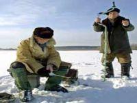 Сахалинские спасатели сняли с оторвавшейся льдины более 400