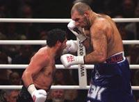 Валуев перепутал сторожа с противником на ринге