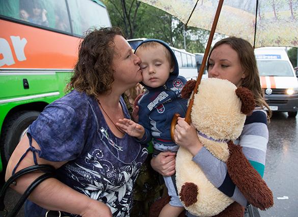 ФМС: Свыше 15000 детей из Украины находятся в российских пунктах временного размещения