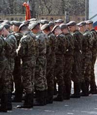 Офицера военкомата обвиняют в совращении призывников