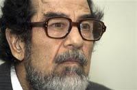 Саддам Хусейн не боится смерти, но на всякий случай выбирает