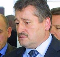 Алханов отрицает возможность досрочной отставки