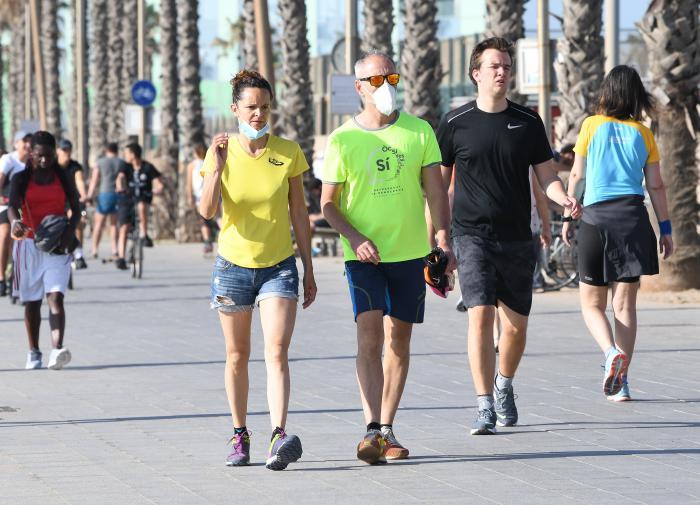 Ющенко обвинил иностранцев в спонсировании протестующих крымчан