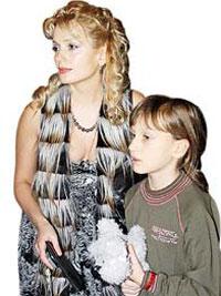 Мария с дочкой
