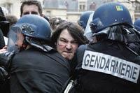 Франция бастует против