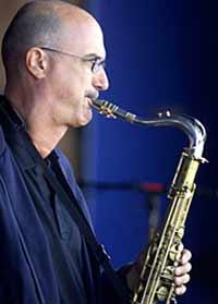 Умер самый знаменитый саксофонист
