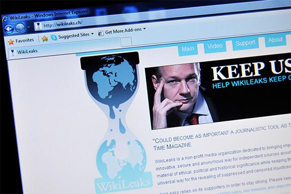 Wikileaks: главе штаба Клинтон было предложено