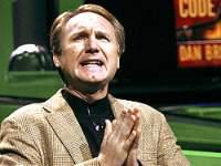 Дэн Браун в молитвенном служении музам дописался до судебного