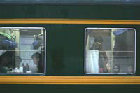 Россияне не хотят жениться в поездах