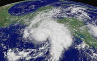 Американские ученые размышляют о природе летних ураганов
