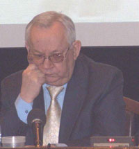 Директор и главный редактор БСЭ последнего выпуска - профессор А