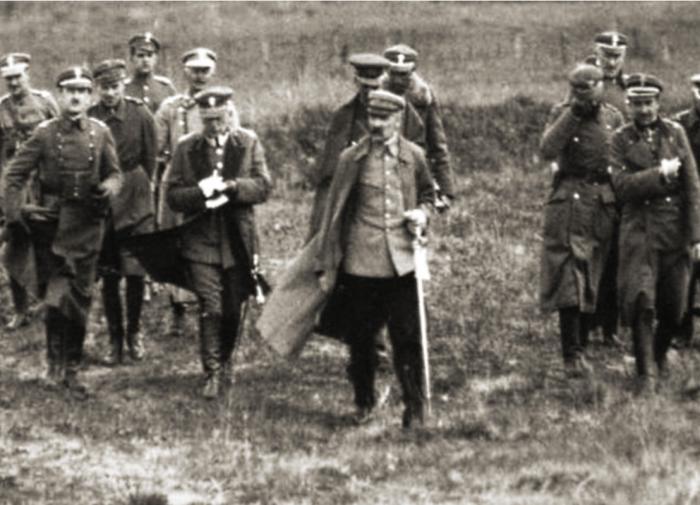 Кадр из кинокомедии про Гитлера