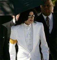Дети снова довели Майкла Джексона до суда
