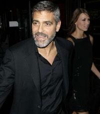 Джордж Клуни сломал ребро, а подруга – ногу