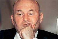 Лужков велел стройкам и вещевым рынкам беречь энергию