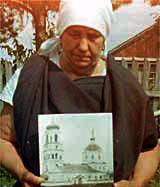 Призрак священника охраняет разрушенный храм
