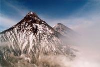 Поиск пропавших альпинистов приостановлен