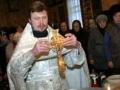 В Кемерово поливают святой водой колорадского жука