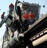 Жертвами крушения суперпоезда в Германии стали более 20 человек