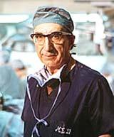 98-летний американский хирург ДеБейки возобновил работу!