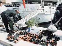 На яхту Усманова Dibar можно пройти, только сняв обувь