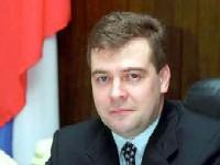 Медведев требует увеличить жилищный фонд