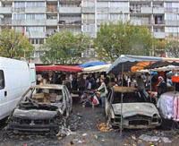 Интенсивность беспорядков во Франции постепенно снижается