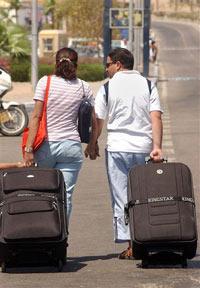 Туристы крадут сиденья для унитаза и забывают детей