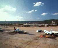 Севший в Праге самолет