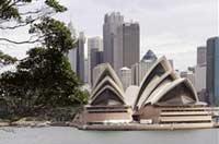 Премьера Австралии допросили по делу о взятках Саддаму Хусейну