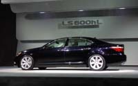 Lexus LS на автосалоне в Нью-Йорке