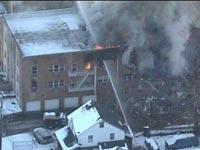 В США из-за взрыва рухнул жилой дом