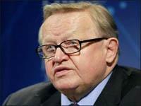 Экс-президент Финляндии приехал убеждать сербов отдать Косово