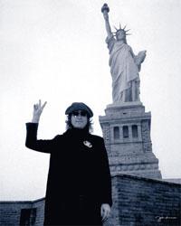 Леннона уличили в стремлении к мировой революции