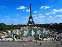 Эйфелева башня бьёт туристические рекорды