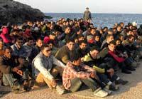 Триста нелегалов попытались проникнуть в Италию на баркасе