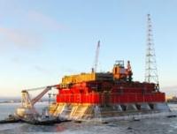 В акватории Северодвинска всплыла нефтяная платформа