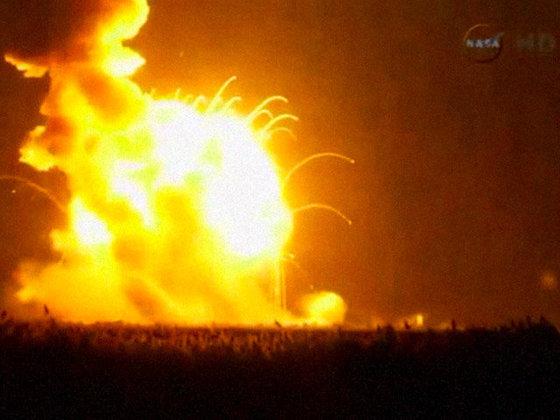Ракета Antares была намеренно взорвана после обнаружения неполадок при запуске