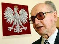 Демократия в Польше начиналась с военного положения