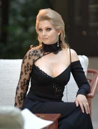 Лена Ленина в платье от российского кутюрье Ольги Моисеенко