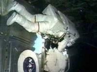 На МКС проблемы со скафандром и антенной