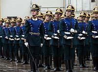 Караул! Развели! Кремлевский полк радует туристов