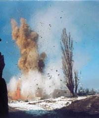 В Чечне взрыв на территории милицейской роты - погибли 5 человек