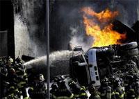 В Нью-Йорке сгорел бензовоз