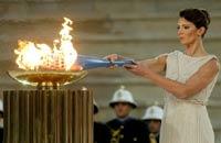 Олимпийский огонь приземлился на итальянской земле